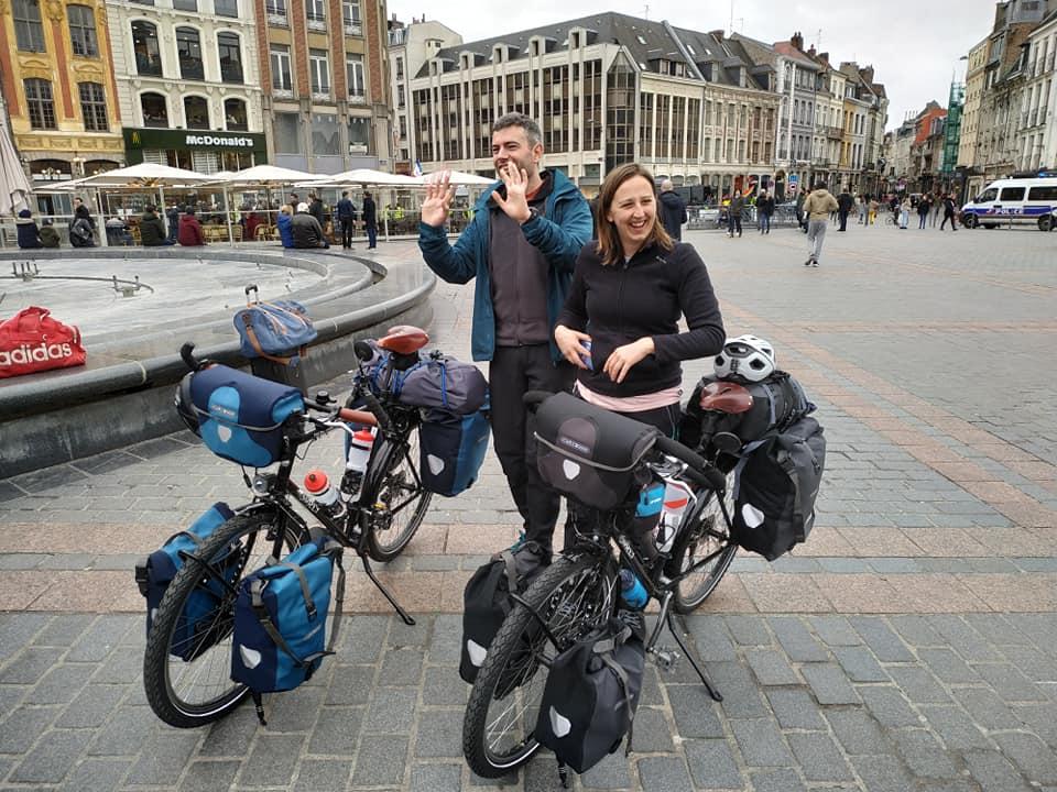 Départ Emilie et Romain On The Bike Now